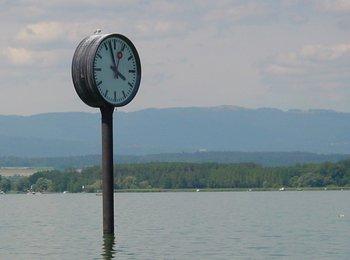Horloge dans l eau.jpg