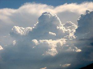 nuage sur la montagne de Boudry.jpg