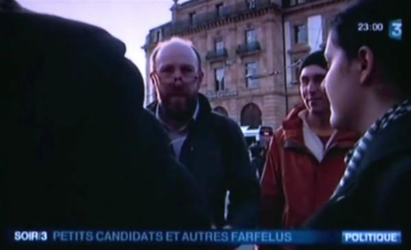 Clément Wittmann Mathieu Despont à la place pury neuchâtel reportage pour france 3 27 décembre 2011.png