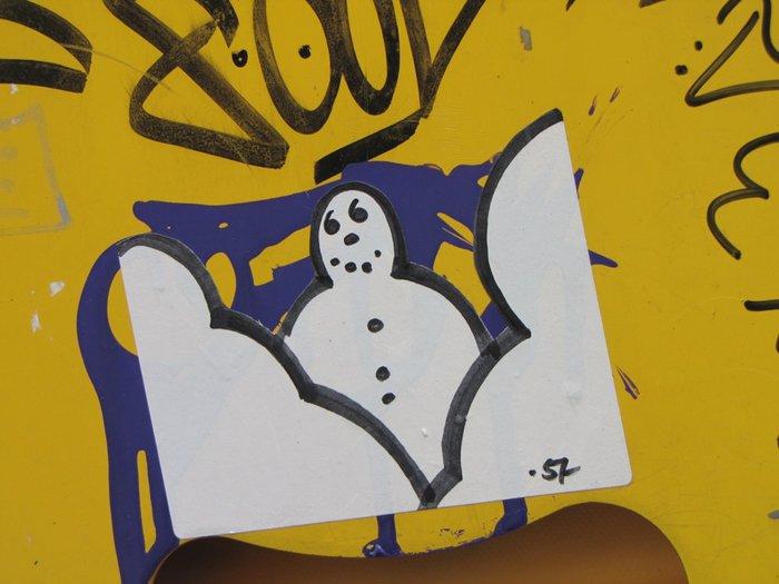 bonhomme art-urbain neuchâtel IMG_9651.JPG