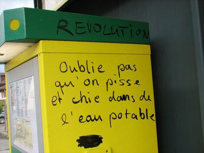 appel_a_la_revolution_on_pisse_dans_de_l_eau_potable.jpg