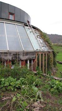 panneaux solaires thermiques et photovoltaiques sur le même toits.JPG