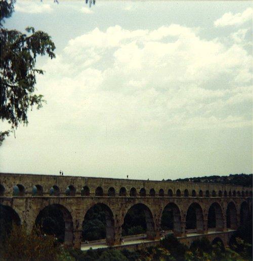 pont_du_gar_1988_par_martouf.jpg