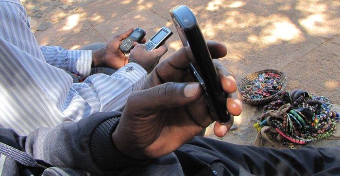 téléphone mobile en afrique de l ouest en 2011.jpg