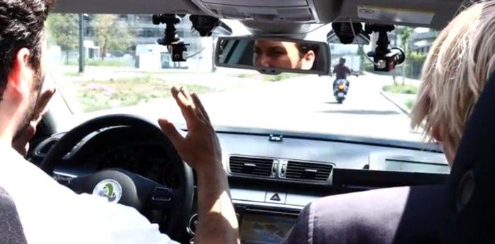 voiture autonome de swisscom avec un volant.jpg