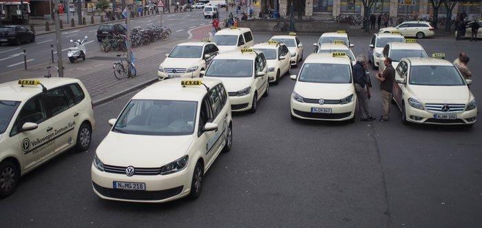 flotte de taxi a nuremberg.JPG