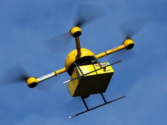 drone pour livrer les paquets test de la post allemande en 2013.jpg