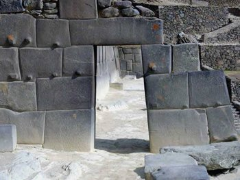 mur pierre moulée 103563.jpg