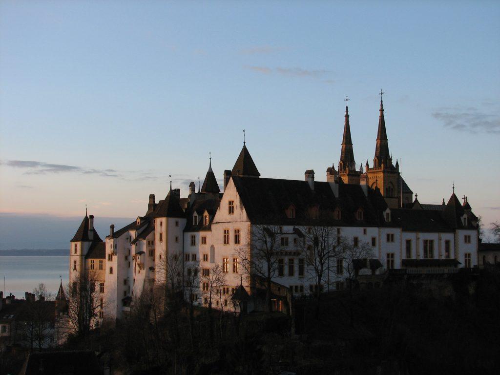 chateau-de-Neuchâtel-au-lever-du-soleil