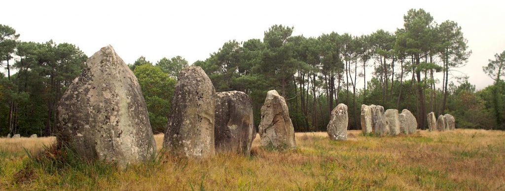 alignement menhirs carnac kerlescan