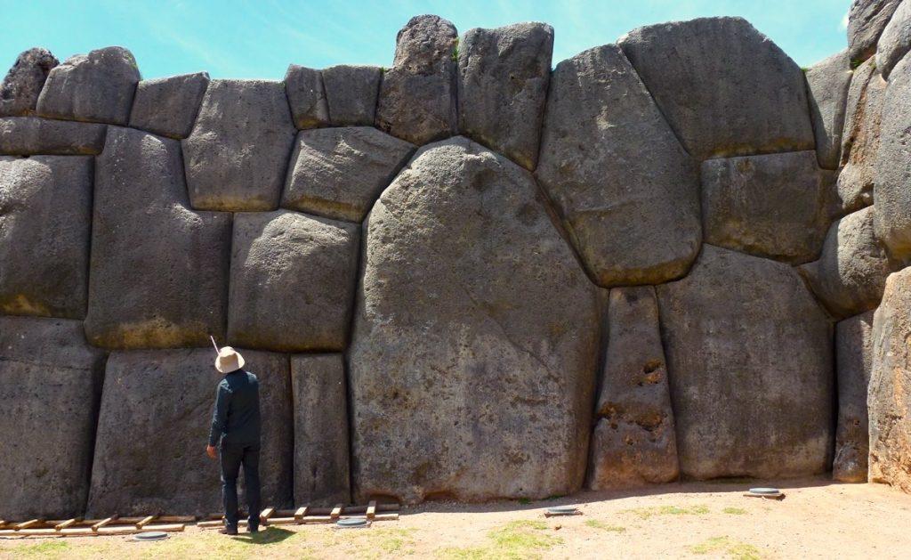 Sacsayhuamán_Inca_site_Pérou_mur cyclopen