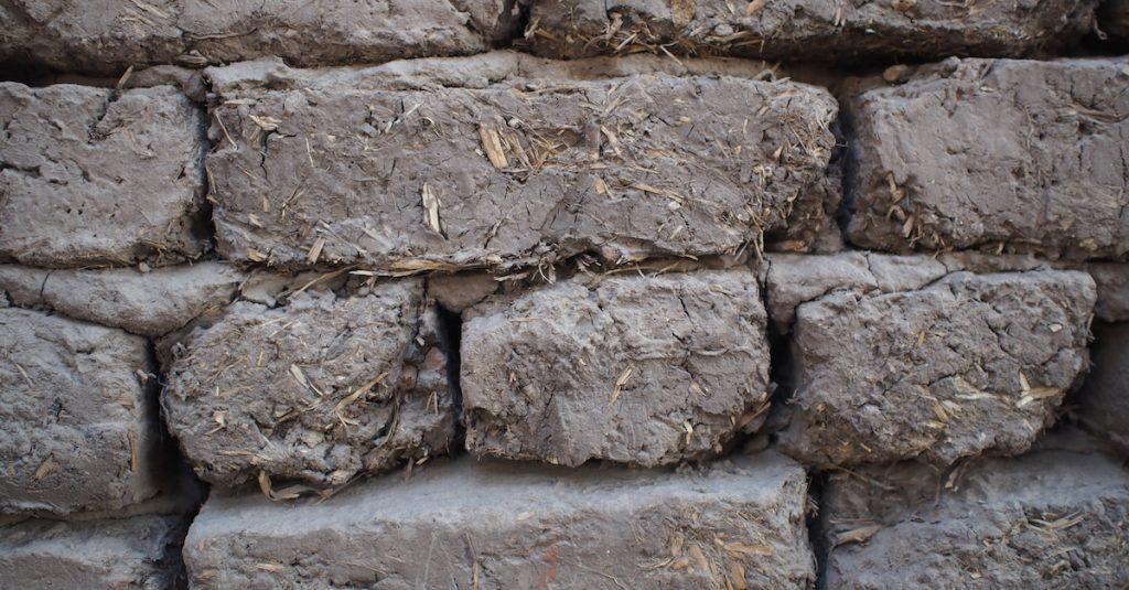 brique de terre crue louxor