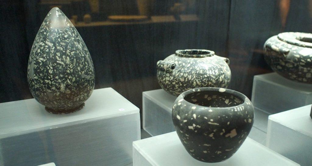 vase en gneiss et diorite saqqarah
