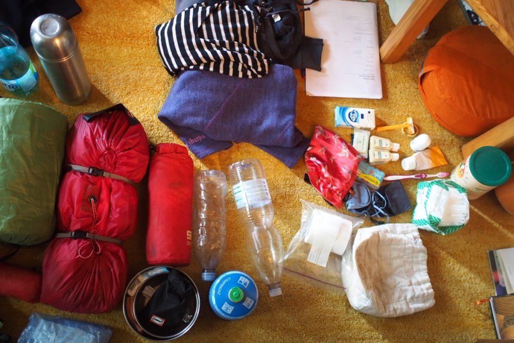materiel hygiene cuisine casserole rechaud tente gourde pour 3 mois de voyage a velo couche