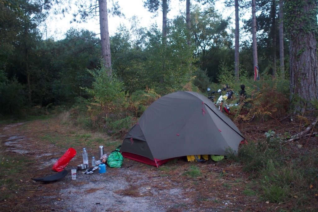 materiel voyage a velo camping sauvage angleterre tente hubba hubba nx cuisine