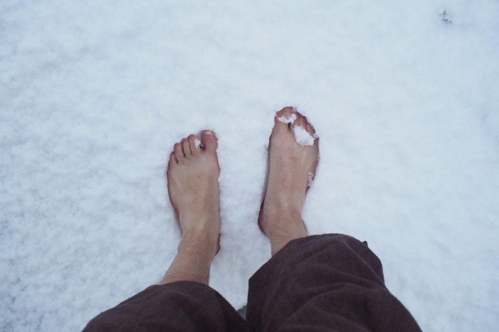 pieds de Martouf dans la neige