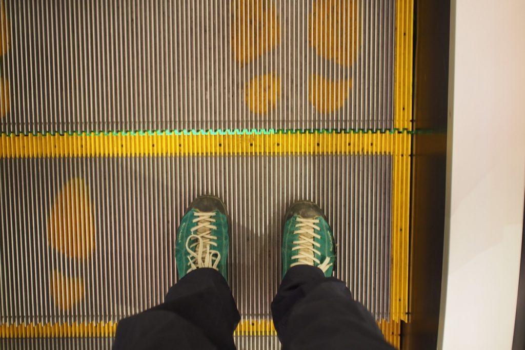 pieds de Martouf escalator
