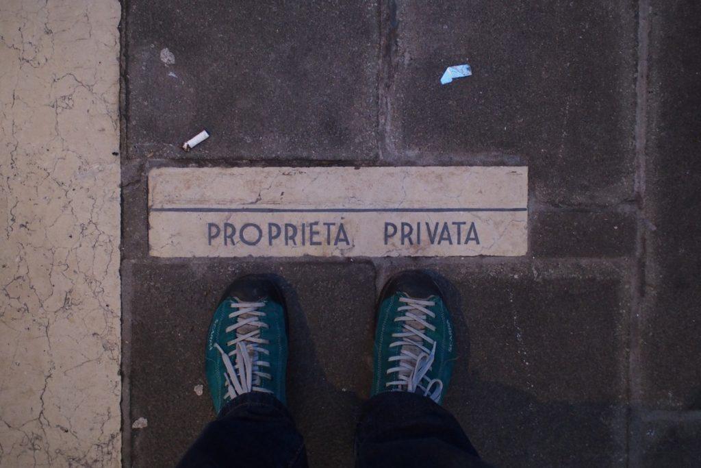 pieds de Martouf propriete privee venise