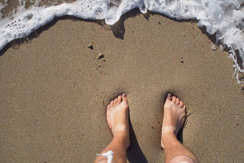 pieds de Martouf sable plage granville