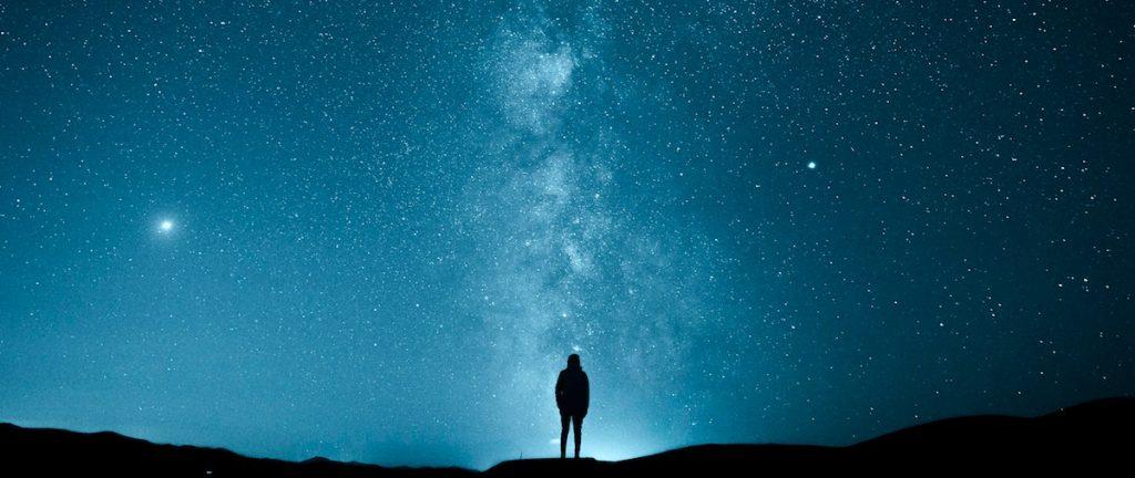 tout-est-lie-interconnecte-univers-spiritualite-atome-usukhbayar-gankhuyag-1003789-unsplash