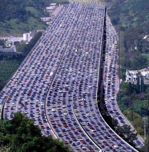Congestion du réseau autoroutier, c'est pareil que le réseau internet mobile