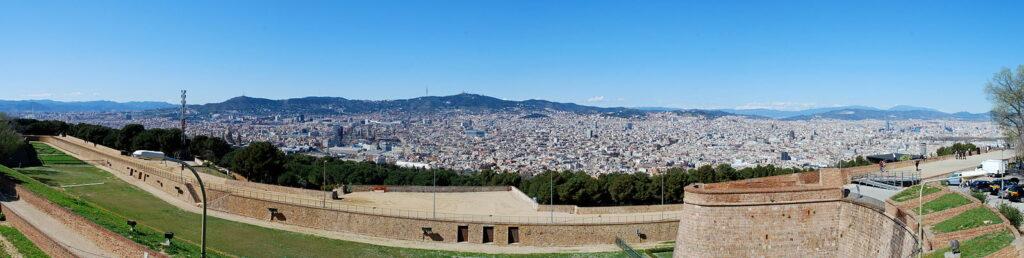 Panorama de Barcelone de puis le château de Monjuïc