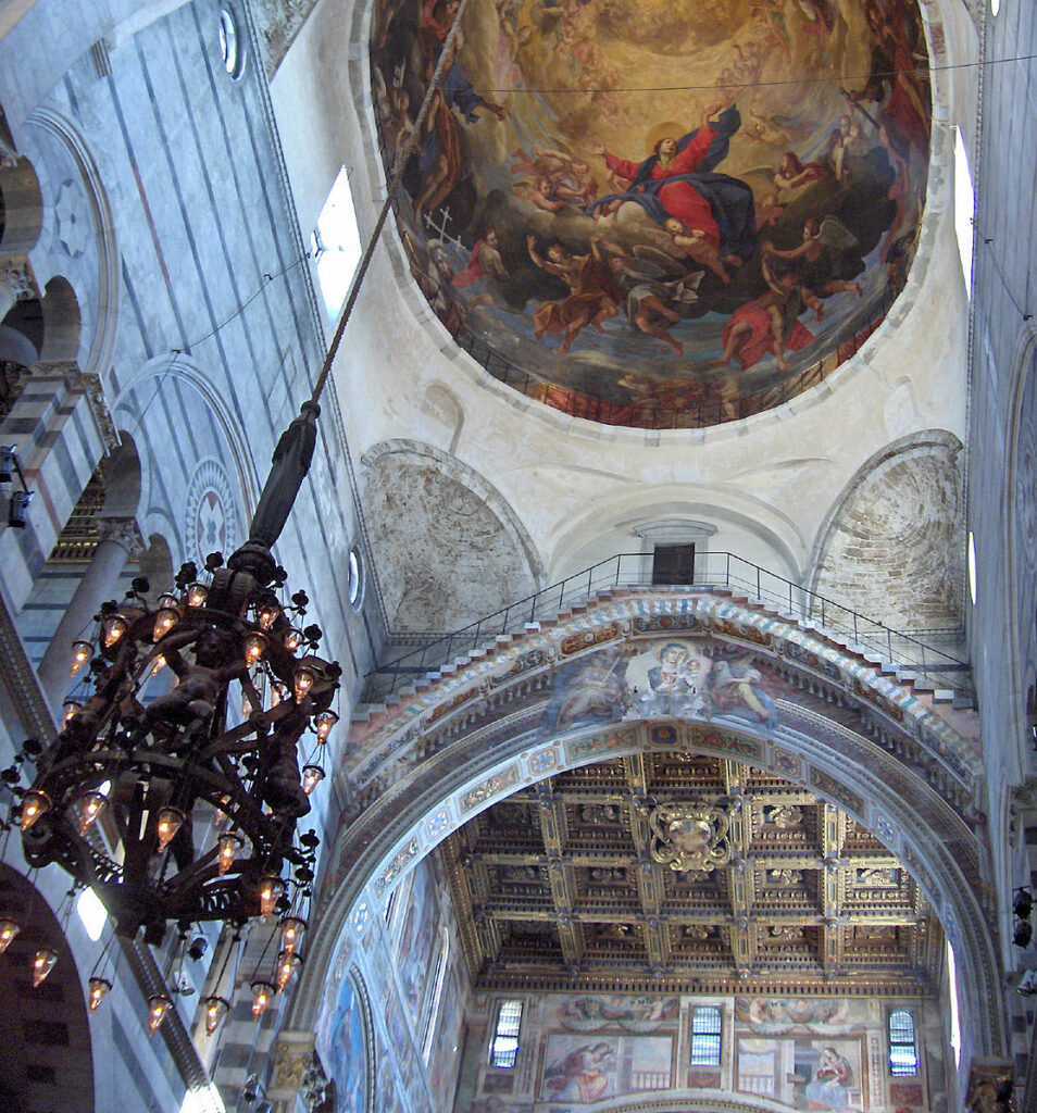 Le lustre de la cathédrale de Pise